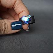 Украшения ручной работы. Ярмарка Мастеров - ручная работа Черное кожаное кольцо с кристаллом SWAROVSKI в форме сердца. Handmade.