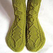 Аксессуары ручной работы. Ярмарка Мастеров - ручная работа Вязаные носки ручной работы оливковые, подарок девушке. Handmade.