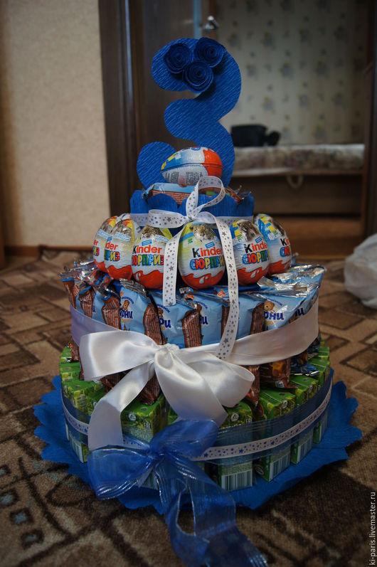 Торт из киндеров, соков и барни