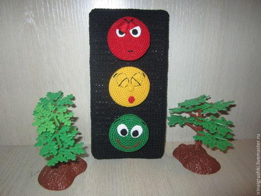 Развивающие игрушки ручной работы. Ярмарка Мастеров - ручная работа. Купить Развивающий светофор. Handmade. Развитие мелкой моторики
