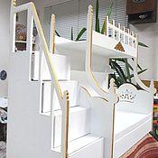 Куклы и игрушки ручной работы. Ярмарка Мастеров - ручная работа Кукольная двухъярусная кровать с лестницей, выдвижными ящиками. Handmade.