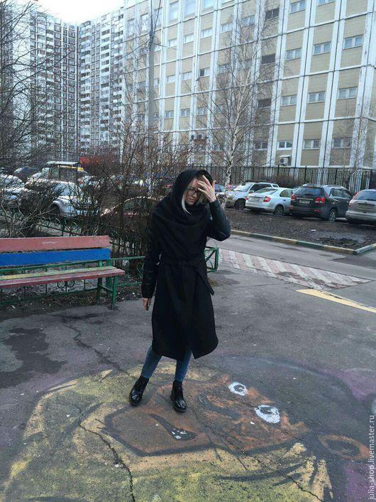 """Верхняя одежда ручной работы. Ярмарка Мастеров - ручная работа. Купить Демисезонное пальто с запахом """" Черное"""".. Handmade."""