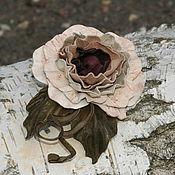 Украшения ручной работы. Ярмарка Мастеров - ручная работа Цветок из натульной кожи (брошь, заколка). Handmade.