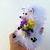 Куклы и игрушки ручной работы. Ярмарка Мастеров - ручная работа Ежик спешит на свидание ) влюбленный ) кавалер ) с букетом с цветами. Handmade.