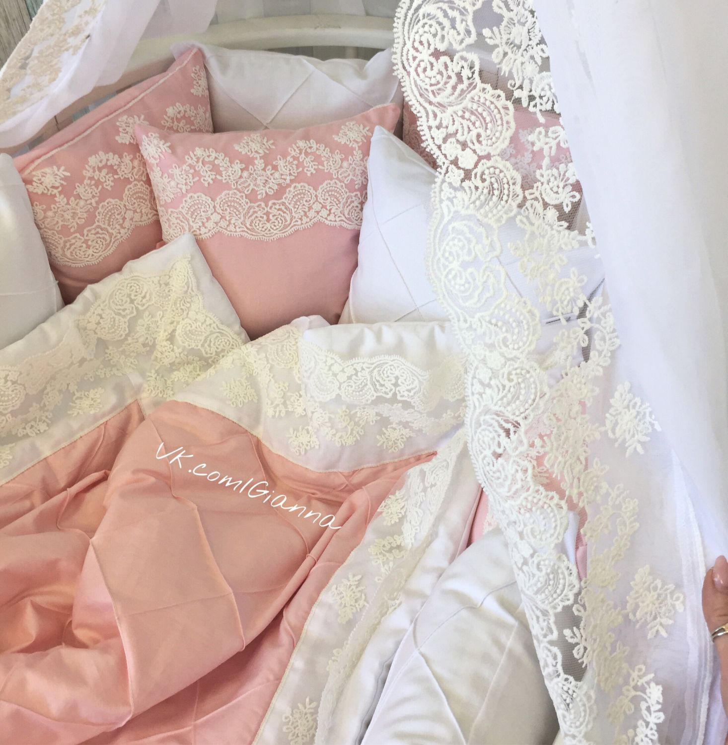 Satin bumpers with removable covers, Linen in the crib, Ekaterinburg,  Фото №1