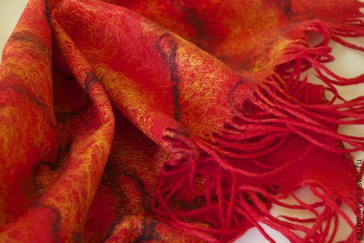 Шали, палантины ручной работы. Ярмарка Мастеров - ручная работа. Купить шарф-палантин валяный. Handmade. Ярко-красный, гарбовская