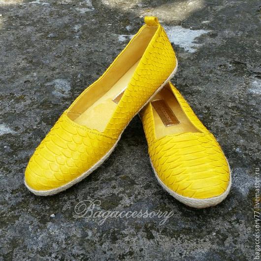 Обувь ручной работы. Ярмарка Мастеров - ручная работа. Купить Эспадрильи из натуральной кожи питона. Handmade. Желтый