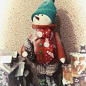 Куклы и игрушки ручной работы. Ярмарка Мастеров - ручная работа Снеговичок с еловой шишкой. Handmade.