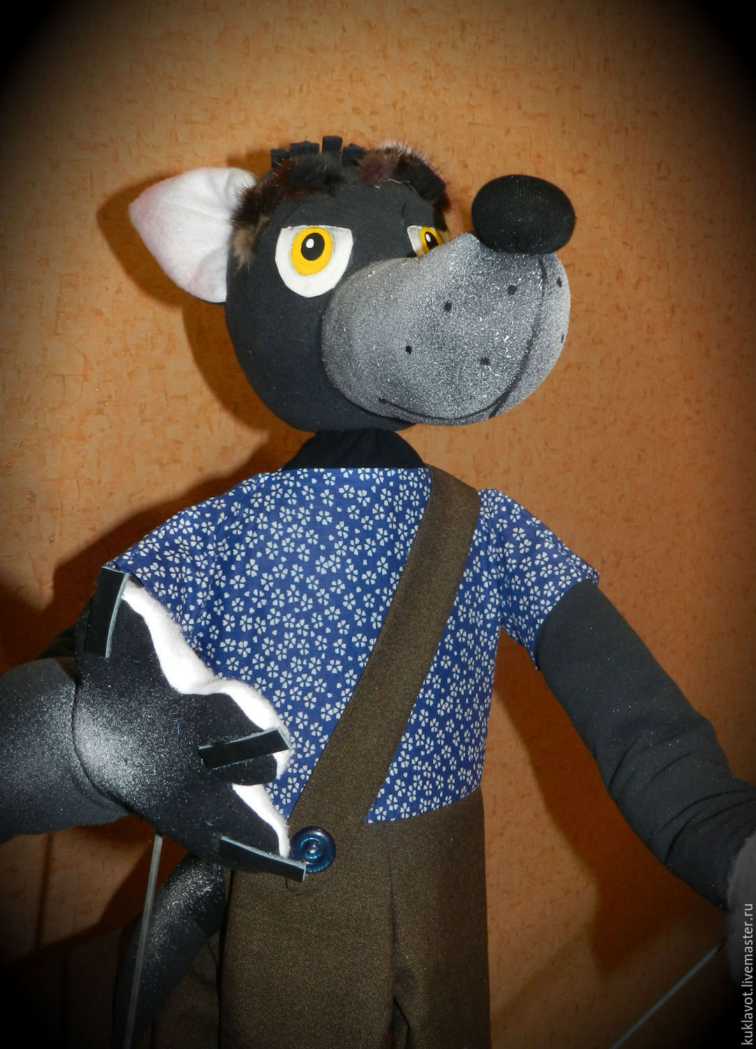 The puppet theatre.Kinds doll Wolf