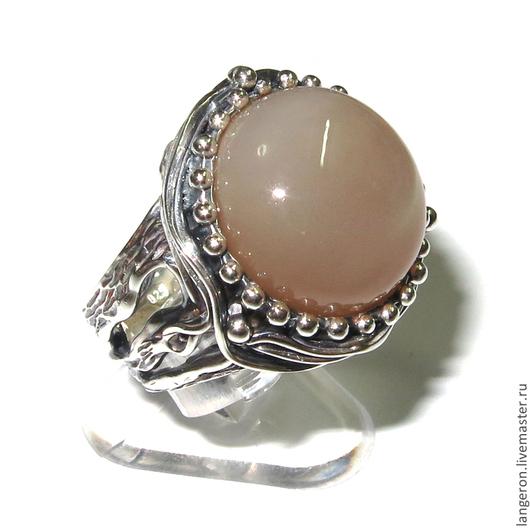 """Кольца ручной работы. Ярмарка Мастеров - ручная работа. Купить Серебряное кольцо """"Нормандия"""". Серебро 925 пробы. Лунный камень.. Handmade."""