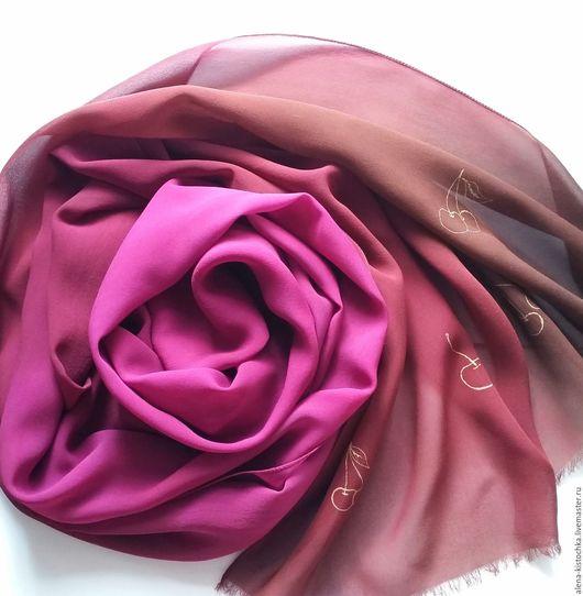 Шелковый шарф, бордово-коричневый, с вишнями, батик