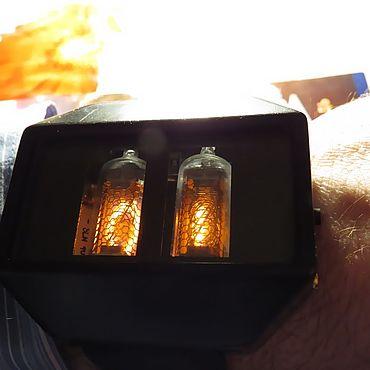 Украшения ручной работы. Ярмарка Мастеров - ручная работа Наручные часы на лампах. Handmade.