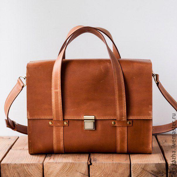 CarryBag - Кожаная сумка Ashwood Leather 1335 рыжего цвета