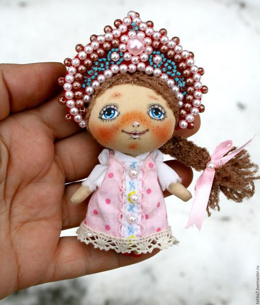 Броши ручной работы. Ярмарка Мастеров - ручная работа. Купить Брошь девочка народная. Брошь куколка. 950 р. Handmade.