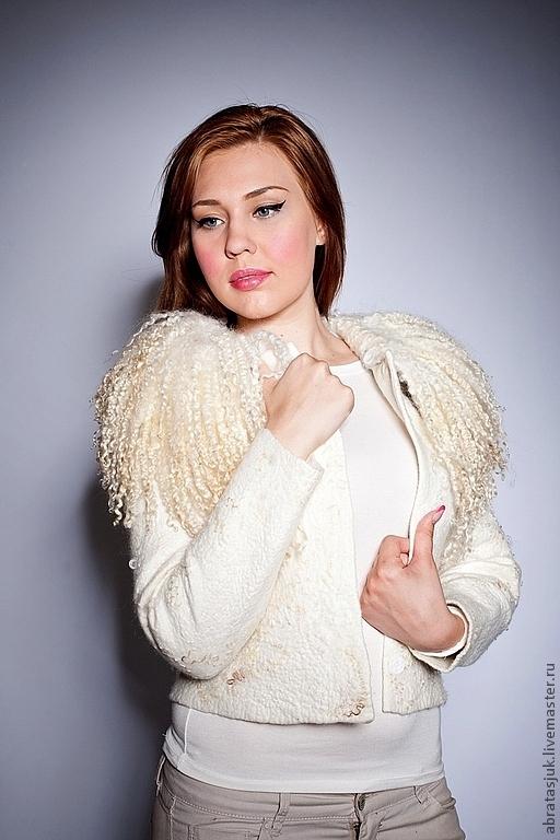 """Верхняя одежда ручной работы. Ярмарка Мастеров - ручная работа. Купить Куртка """"Белый жемчуг"""". Handmade. Белый, валяная одежда"""