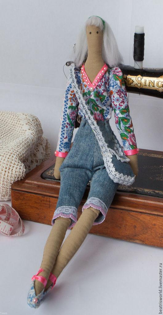 Куклы Тильды ручной работы. Ярмарка Мастеров - ручная работа. Купить Девушка-студентка (тильда). Handmade. Синий, джинсовый стиль