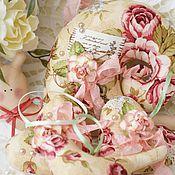 """Куклы и игрушки ручной работы. Ярмарка Мастеров - ручная работа Улиточка и подвески """"Королевкие розы"""". Handmade."""