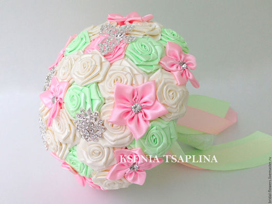 Свадебные цветы ручной работы. Ярмарка Мастеров - ручная работа. Купить Брошь букет невесты из салатового, розового и молочного цвета. Handmade.