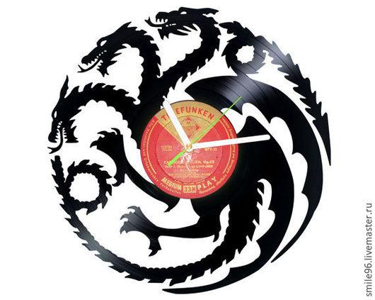 """Часы для дома ручной работы. Ярмарка Мастеров - ручная работа. Купить Часы из пластинки """"Таргариены"""". Handmade. Таргариен, игра престолов"""