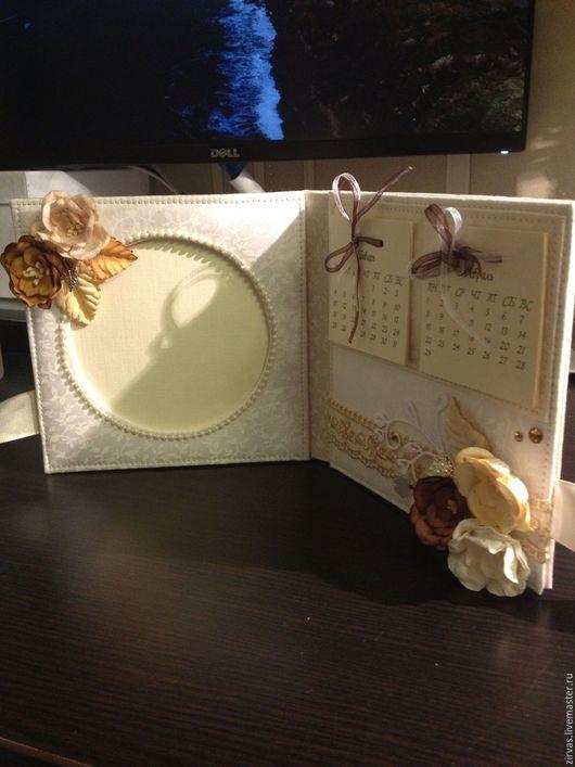 Персональные подарки ручной работы. Ярмарка Мастеров - ручная работа. Купить Настольный календарь (+фоторамка для фото 10х10). Handmade. Белый