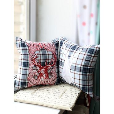 Текстиль ручной работы. Ярмарка Мастеров - ручная работа Декоративная подушка с оленем. Handmade.