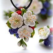 """Украшения ручной работы. Ярмарка Мастеров - ручная работа Кулон """"Ягодно-цветочный"""". Handmade."""