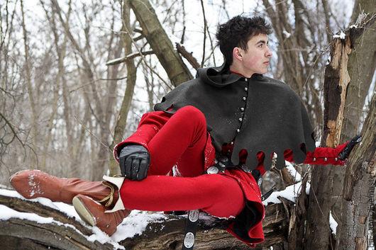"""Верхняя одежда ручной работы. Ярмарка Мастеров - ручная работа. Купить Средневековые тапперт и капюшон """"Оруженосец"""". Handmade. Ярко-красный"""