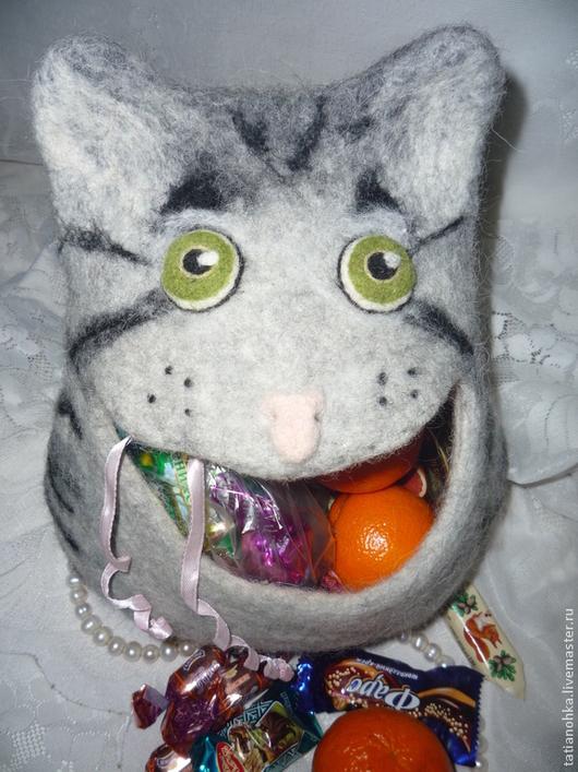 Подарочная упаковка ручной работы. Ярмарка Мастеров - ручная работа. Купить Котик валяный - подарочная упаковка или косметичка. Handmade.