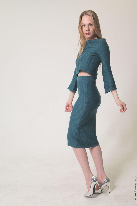 Женский вязаный костюм с юбкой купить