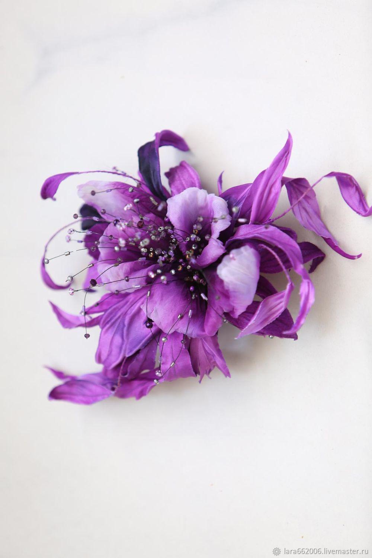 Фантазийная орхидея Глория из шелка ручной работы,орхидея из шелка,сиренево-фиолетовая орхидея,украшение из шелка, украшение из кожи, вечернее украшение, фантазийный цветок, цветок шляпка,брошь,ободок