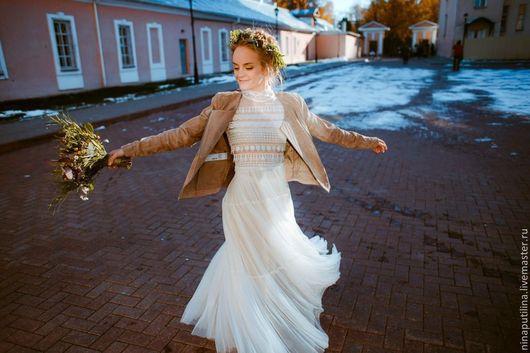 Одежда и аксессуары ручной работы. Ярмарка Мастеров - ручная работа. Купить Свадебное платье в бохо-стиле для Алены. Handmade. Бежевый