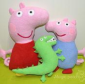 Куклы и игрушки ручной работы. Ярмарка Мастеров - ручная работа Свинка Пеппа, Джордж и динозавр. Handmade.