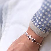 Украшения handmade. Livemaster - original item Lilac bracelet on a chain with flowers elegant stylish casual. Handmade.