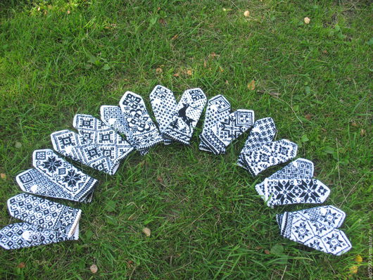 Варежки, митенки, перчатки ручной работы. Ярмарка Мастеров - ручная работа. Купить Варежки бело-черные Корпоративный подарок. Handmade.