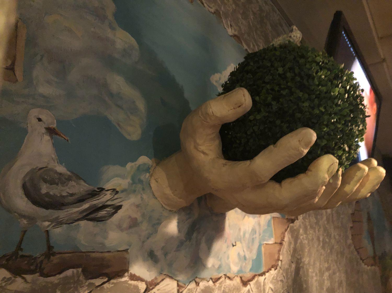 Панно на стену. Скульптура Руки