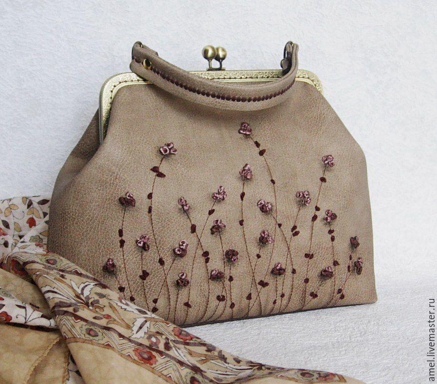 1e2173a22543 Купить вышитые повседневные сумки в интернет-магазине на Ярмарке Мастеров с  доставкой