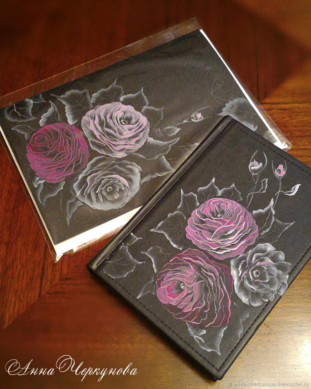 """Обложки ручной работы. Ярмарка Мастеров - ручная работа. Купить Ежедневник """"Зимние розы"""" и Открытка в комплекте. Handmade. Цветы, подарок"""