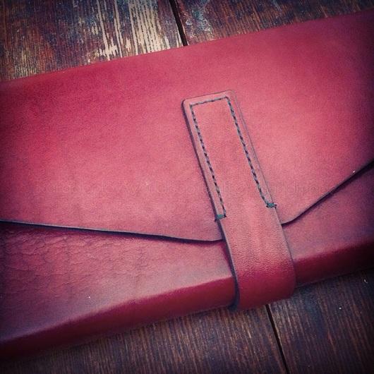Женские сумки ручной работы. Ярмарка Мастеров - ручная работа. Купить Клатч из натуральной кожи. Handmade. Ярко-красный, сумка
