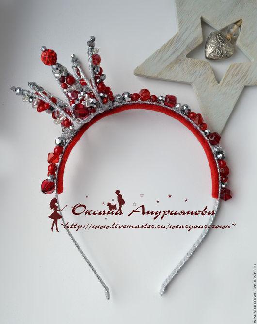 Корона Бордовая с серебром. Темно красная корона на ободке из бусин.