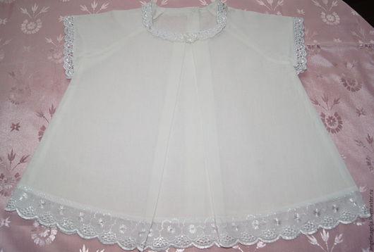 Крестильное платье для девочки возраст от 2-6 м. Выполнена из нежного хлопка. В работе использовано шитье