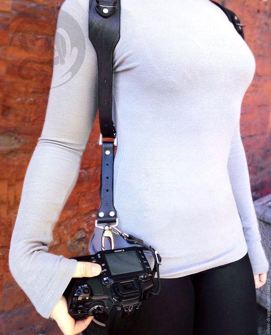 Черная разгрузка для фотографа на две камеры со страховочными ремнями Кожевенная мастерская `Silver Dragon`