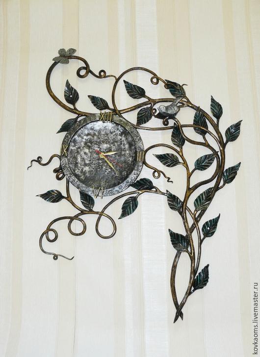 Часы для дома ручной работы. Ярмарка Мастеров - ручная работа. Купить Кованые часы с птичкой и бабочкой. Handmade. Часы