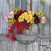 Цветы и флористика ручной работы. Ярмарка Мастеров - ручная работа Интерьерный венок с цветами из фоамирана. Осенний аромат. Handmade.