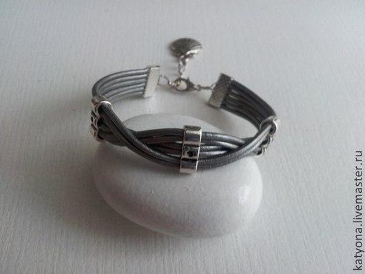 """Браслеты ручной работы. Ярмарка Мастеров - ручная работа. Купить Кожаный браслет """"Silver ice"""". Handmade. Серебристый, кожаные украшения"""