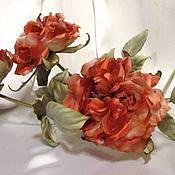 Цветы и флористика ручной работы. Ярмарка Мастеров - ручная работа Интерьерные коралловые  розы из шёлка.В наличии есть две розы.. Handmade.
