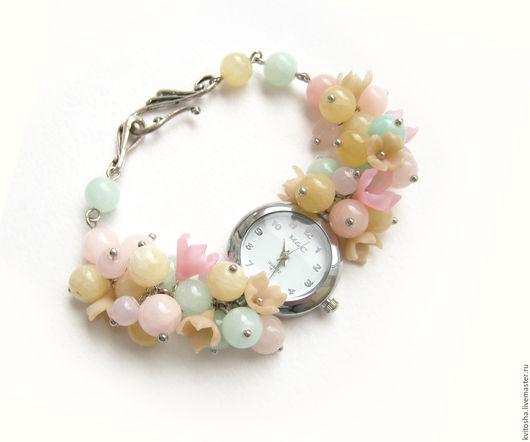 """Часы ручной работы. Ярмарка Мастеров - ручная работа. Купить """"Монпансье"""" часы женские с цветами и натуральными бусинами. Handmade. Комбинированный"""