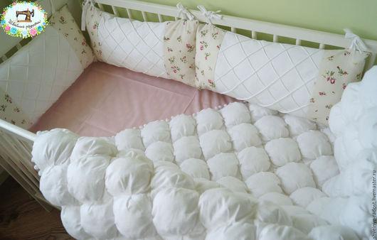 Для новорожденных, ручной работы. Ярмарка Мастеров - ручная работа. Купить комплект в кроватку, одеяло бомбон и бортики. Handmade. Белый