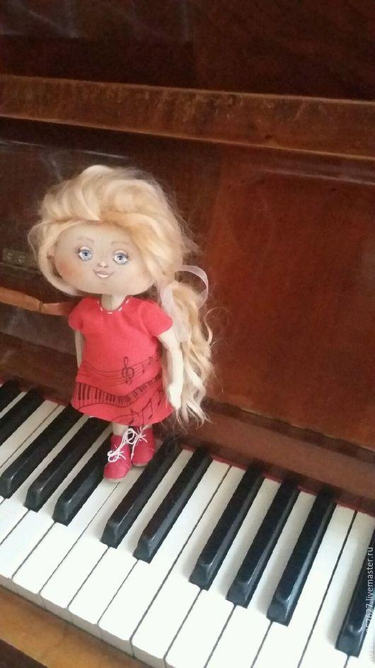 Коллекционные куклы ручной работы. Ярмарка Мастеров - ручная работа. Купить Текстильная кукла-кнопочка музыкальная девочка.Катюша.. Handmade.