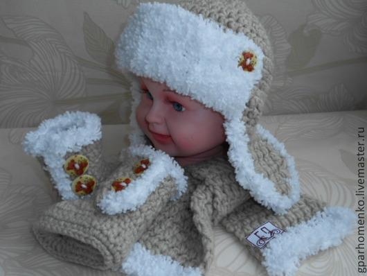 """Шапки и шарфы ручной работы. Ярмарка Мастеров - ручная работа. Купить Комплект""""Мишутка""""мериносовая шерсть. Handmade. Бежевый, пинетки в подарок, новорожденному"""