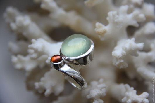 Кольца ручной работы. Ярмарка Мастеров - ручная работа. Купить Кольцо незамкнутое ПРЕНИТ+ГРАНАТ. Handmade. Кольцо, кольцо с камнями, разноцветный